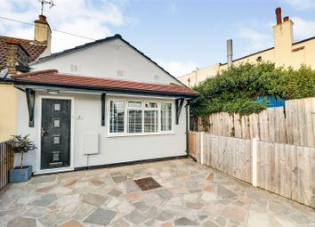 Flemming Crescent, Leigh-On-Sea SS9. 2 bed bungalow