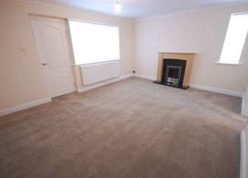 Thumbnail 2 bed property to rent in Simons Walk, Glossop