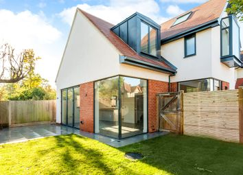 Thumbnail 2 bed detached house to rent in Selwyn Road, New Malden