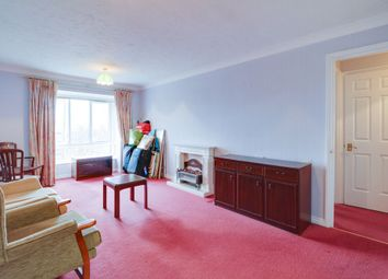 Kingsway, London N12. 1 bed flat for sale