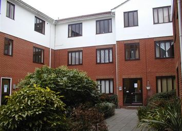 Thumbnail 2 bed flat to rent in Lyonsdown Road, New Barnet, Barnet