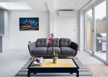Thumbnail Serviced flat to rent in Berber Road, London