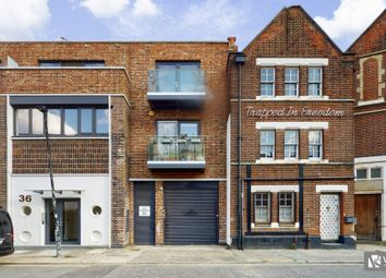 Chad Apartments, Vyner Street, London E2. 1 bed flat for sale