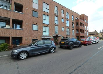 Thumbnail 1 bed flat to rent in The Chase, Grays