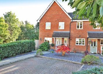 Gascoyne Close, Bearsted, Maidstone ME15. 3 bed semi-detached house for sale