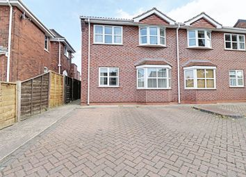 Thumbnail 2 bed flat to rent in Avenue Vivian, Scunthorpe