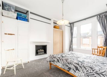 3 bed maisonette to rent in Quinton Street, Earlsfield, London SW18