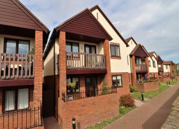Jasmine Crescent, Princes Risborough, Buckinghamshire HP27. 2 bed flat for sale