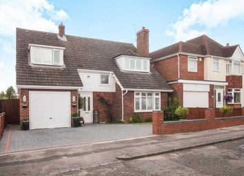 Thumbnail 4 bedroom detached house for sale in The Retreat, Dunstable, Bedfordshire, England