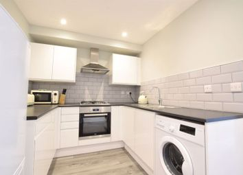 2 bed flat to rent in St. Clements Street, Oxford OX4
