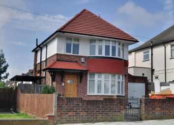 Thumbnail 3 bedroom detached house to rent in Hill Road, Pinner, Middlesex