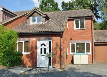 Thumbnail 3 bed detached house to rent in Camelot Close, Southwater, Horsham
