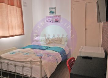 Thumbnail Room to rent in Wheler House, Quaker Street, Shoreditch