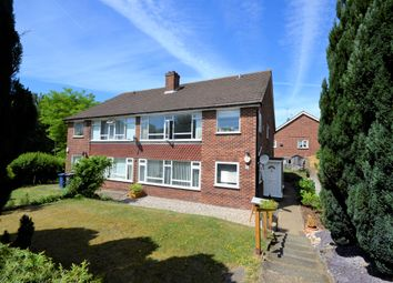 Thumbnail 2 bed flat to rent in Chalfont Avenue, Amersham, Buckinghamshire