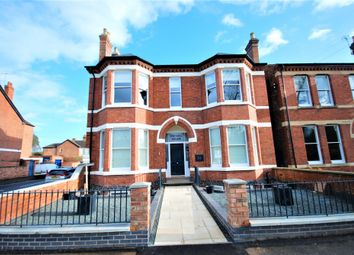 Thumbnail 2 bed flat to rent in Dunara House, 34 Lillington Road, Leamington Spa, Warwickshire