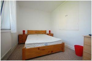 3 bed flat to rent in St Vincents House, Grange Walk, Borough SE1