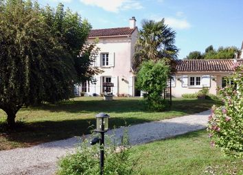 Thumbnail 2 bed country house for sale in 4 Chemin Des Peupliers, 79170 Brioux-Sur-Boutonne, France