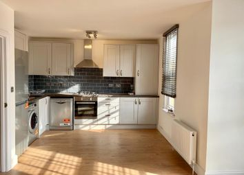 3 bed flat to rent in Forest Drive East, London E11