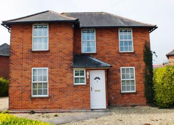 Thumbnail 3 bed property to rent in Newlands Avenue, Didcot