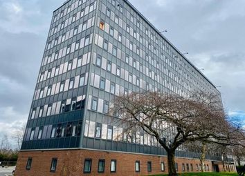 2 bed flat to rent in Seymour Grove, Manchester M16