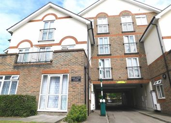 Thumbnail 2 bedroom flat to rent in Oaklands Court, Bromley, London