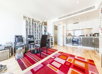 1 bed flat to rent in The Landmark, East Tower, 24 Marsh Wall, Canary Wharf, London E14