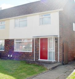 3 bed semi-detached house to rent in West Avenue, Crawley RH10