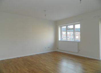 Thumbnail 2 bed flat to rent in Bishopric, Horsham