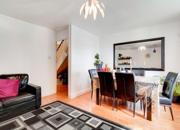 2 bed maisonette for sale in Jansen Walk, Battersea, London SW11