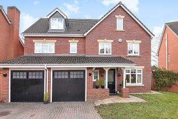 Thumbnail 6 bed detached house for sale in Queens Chase, Warminster