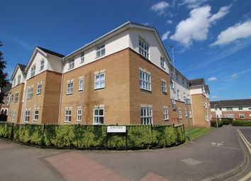 Thumbnail 2 bedroom flat for sale in Elm Park, Reading