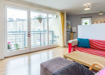 Thumbnail 2 bed flat to rent in Roman Way, London
