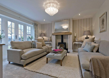Thumbnail 4 bedroom detached house for sale in Leamington Road, Broadway