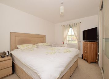 Thumbnail 2 bed flat for sale in Rainbow Road, Erith, Kent