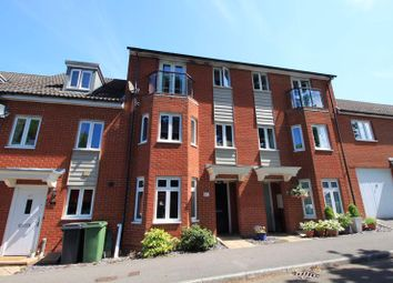 3 bed town house for sale in Pomeroy Crescent, Hedge End, Southampton SO30
