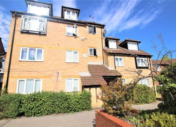 Springwood Crescent, Edgware HA8. Studio to rent