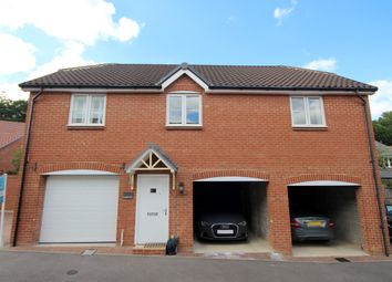 2 bed flat for sale in Hampshire Close, Wokingham RG41