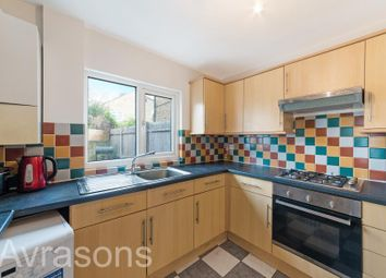 3 bed property to rent in Medlar Street, London SE5