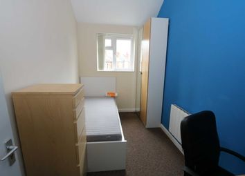 Thumbnail Room to rent in Room E, Gulson Road