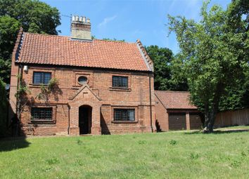 Thumbnail 3 bed detached house to rent in Manor Farm Close, Drayton, Norwich