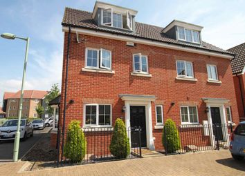 Thumbnail 4 bed town house to rent in Hornbeam Avenue, Red Lodge