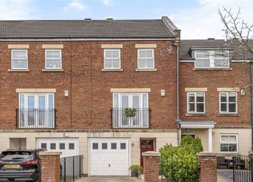 4 bed town house for sale in Hutton Gate, Harrogate, North Yorkshire HG2