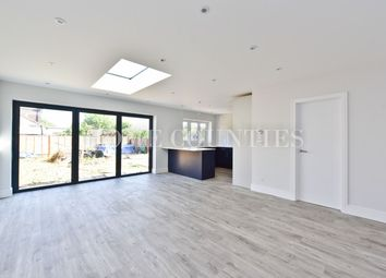 4 bed bungalow for sale in Field View Road, Potters Bar, Potters Bar EN6