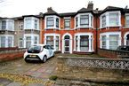 Thumbnail 5 bedroom terraced house to rent in Northbrook Road, Cranbrook, Ilford