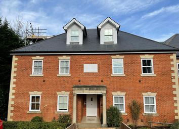 Thumbnail 2 bed flat to rent in West Hill, Oxted