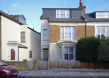Thumbnail 1 bed flat to rent in Queens Road, Teddington
