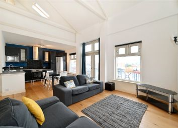 Quay View Apartments, Arden Crescent, London E14. 3 bed flat
