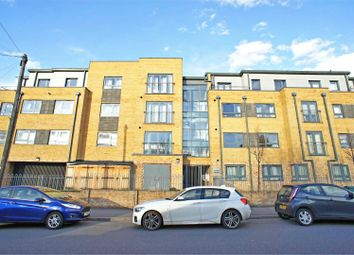Thumbnail 1 bed property for sale in Kings Head Hill, London