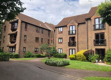 Thumbnail 3 bed flat to rent in Halsey Road, Watford