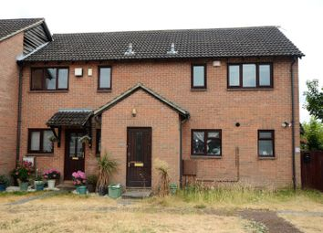 Thumbnail 1 bed flat to rent in Porlock Place, Calcot, Reading, Berkshire